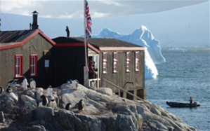 antarctica-post-office-01