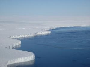 ice-wall-02